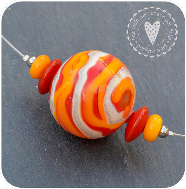 collier, tour de cou • verre soufflé • rouge orange